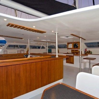 Alii Nui Maui - Luxury Molokini Snorkel Tours (Cabin)
