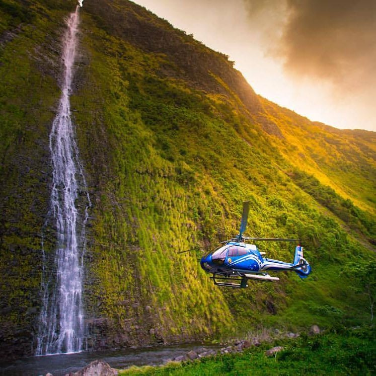 Blue Hawaiian Helicopters – Eco-Star West Maui – 30 Minutes
