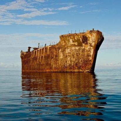 Ocean Riders - Circumnavigate Lanai (Shipwreck)