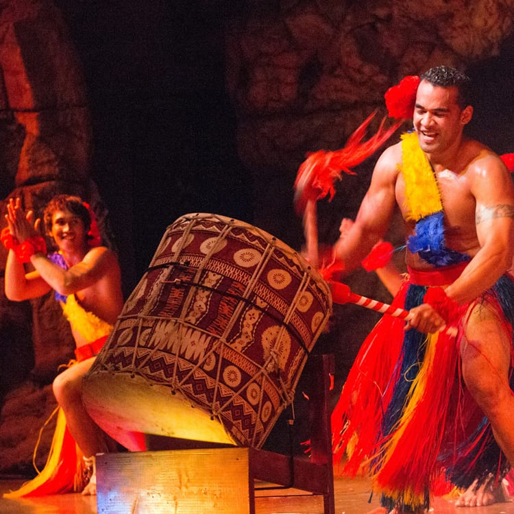 Hyatt Kaanapali Luau – Drums of the Pacific